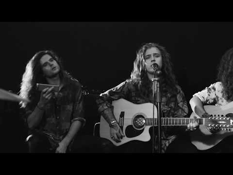 Bloody Heels – One More Time (Acoustic)